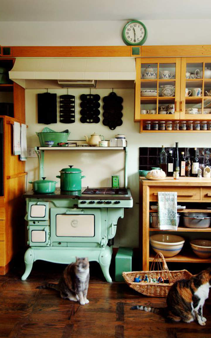 14 beautiful vintage kitchen designs you must see for See kitchen designs
