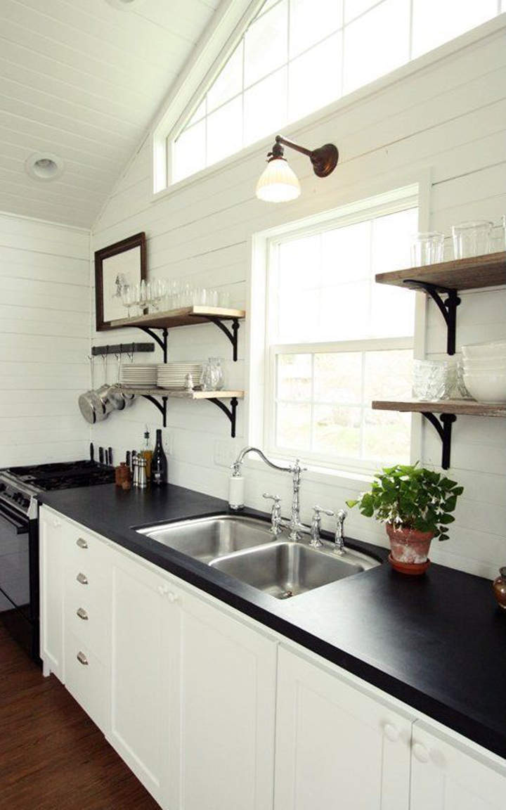 Black and white kitchen ideas and designs for Kitchen ideas black and white