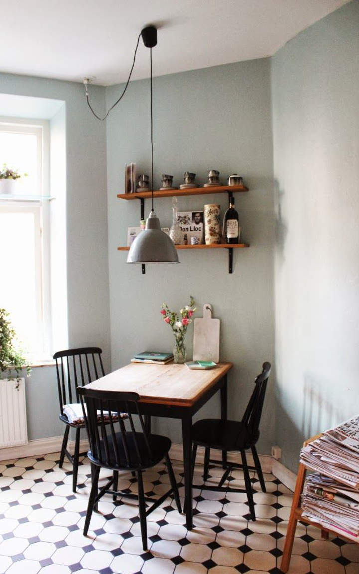 Great ideas for a small dining room for Dining area ideas