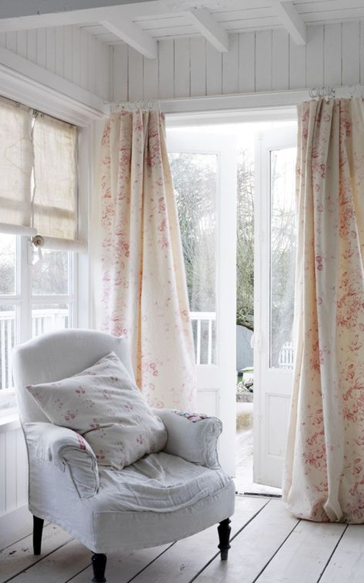 Shabby chic living room curtains - How To Create A Beautiful Shabby Chic Living Room