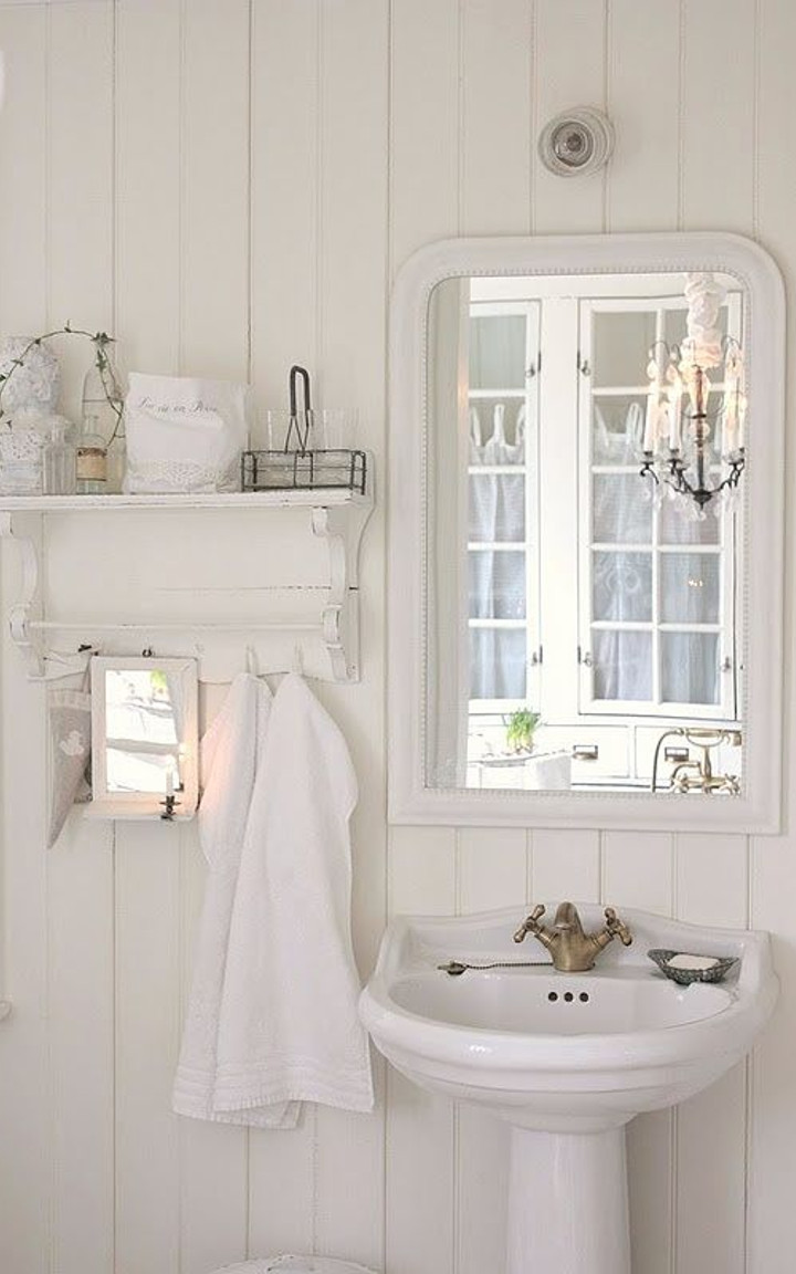 Shabby chic bathroom ideas for Pictures of beautiful small bathrooms