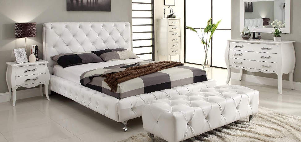 Modern luxurious bedroom designs and ideas